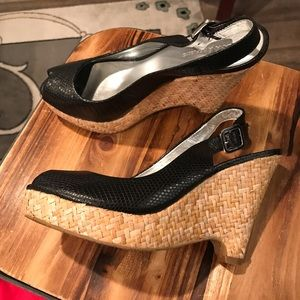 NWOT Banana Republic black basket wedges